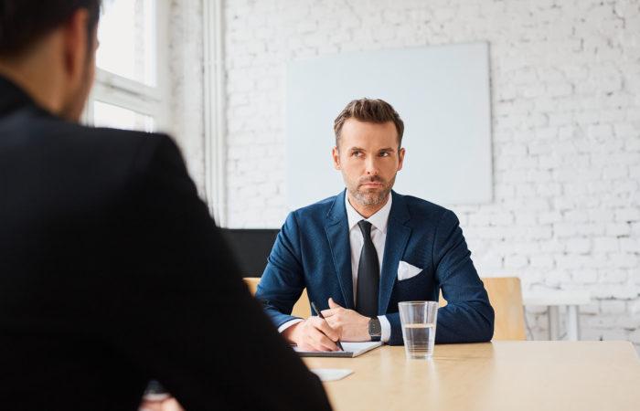 もし、あなたが経営者なら「マーケティング がしたい」という人にマーケティングを依頼しますか?